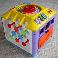 Fisher Price Peek a Block Incrediblock by Fisher-Price