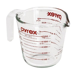 Pyrex Prepware 2-cup Measuring Cup、レッドグラフィックス、クリア