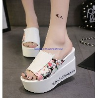 2016 summer new Korean high-heeled shoes sandals muffin slope with sandals and slippers casual shoes
