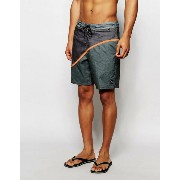 Billabong Pulse Lo Tides 18.5 Inch Board Shorts ショーツ