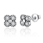 WOSTU 四つ葉のクローバー シルバーピアス S925 レディース The Four Leaf Clover S925 Silver Pierce Earrings with clear CZ