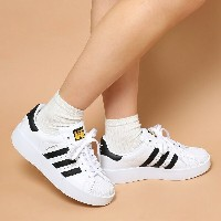 adidas Originals SUPERSTAR BD W (アディダス オリジナルス スーパースター ボールド) (Running White/Core Black/Gold Mett) ...