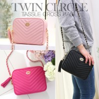 Twin Clrcle Tassle Cross Bag/☆シンプルで当店大人気/かわいい/キルティング チェーンバッグ/軽量/Daily Bag