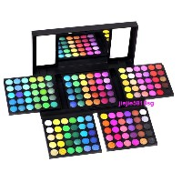 BN CS 180 colours Eyeshadow Palette