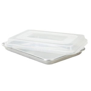 Nordic Ware Natural Aluminum Commercial Baker's Quarter Sheet with Lid by Nordic Ware