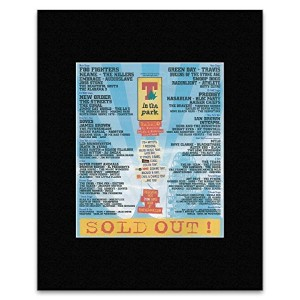 T IN THE PARK - 2005 - Foo Fighters Tears Doves Mini Poster - 31.8x28.5cm