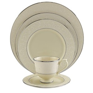 Lenox Pearl Innocence Platinum-Banded Fine China 5-Piece Place Setting, Service for 1 by Lenox