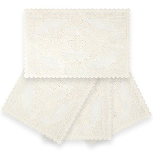 Home-X Vinyl Lace Placemats - Set of 4. In Soft Cream with Scalloped Edges by Home-X