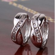 Aida Misa Newest Style 18k White Gold Plated Earrings For Women Elegant Small Hoop Earring Crystal Material Jewellery E124a(ピアス) [並行輸...