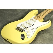 Fender Japan Exclusive Yngwie Malmsteen Signature Stratocaster Yellow White