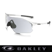 オークリー EVZERO PATH 調光レンズ(ASIA FIT) サングラスOO9313-06MATTE WHITE/CLEAR BLACK IRIDIUM PHOTOCHROMIC【Oakley...