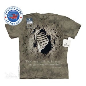 The Mountain Tシャツ The Smithsonian First Step (The Smithsonian 宇宙 月 メンズ 男性用 男女兼用) S-L【輸入品】半袖