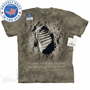 The Mountain Tシャツ The Smithsonian First Step (The Smithsonian 宇宙 月 メンズ 男性用 男女兼用 ) XL-4L 【輸入品】...
