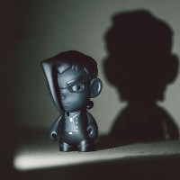 キッドロボット Kidrobot おもちゃ 【BAIT Exclusive Kidrobot Street Fighter Shadow Charlie 3 Inch Figure 】