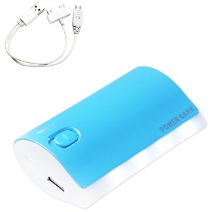 Reiko 6000mAh Power Bank with ポーチ and 3 Plug Connector for Phones - Retail パッケージング - ブルー 「汎用品」...