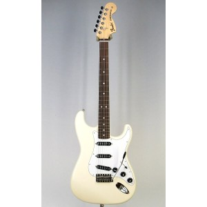 Fender Japan Exclusive Classic 70s Strat VWH/R(Fine Tuned by KOEIDO)【送料無料】【フェンダーストラップ、コンパクトギタースタンド...