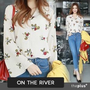 ★ ontheriver ★ Wide Sleeve Blouse / Korean Fashion / Dots / Plus size / high quality