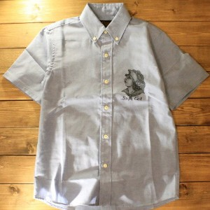 "KUSTOMSTYLE SO-CAL""SIDE FACE"" OX BUTTON DOWN S/S SHIRTSBLUE【KUSTOMSTYLE SO-CAL】(カスタムスタイルソーキャル)正規取扱店..."