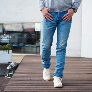 送料無料【KURO:クロ】AULICK / DEEP TAPERED DENIM (VINTAGE WASH 08)【smtb-TK】