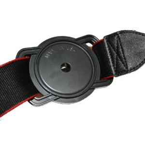 Camera Buckle レンズキャップホルダー Lens Cap Holder; for 82, 77 and 72mm Lens Cap Sizes