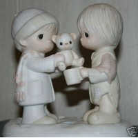 Precious Moments Figurine - Christmastime Is for Sharing #E-0504 by Precious Moments [並行輸入品]