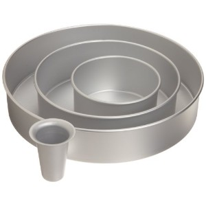 Wilton 2105-6150 Decorator Preferred Round Cake Pan Set by Wilton
