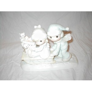 Precious Moments Figurine ~ Sharing Our Season Together #E-0501 by Enesco [並行輸入品]