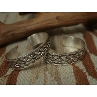 INDIAN JEWELRY NAVAJO HAMMERING STUMP WORK SILVER BANGLE [LEONARD MALONEY] #1 / インディアン ジュエリー ナバホ...