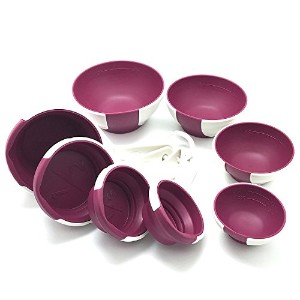 Chef ' n SleekStorのセット4ピンチand Pour Prep Bowlsと4Collapsible Measuring Cups in RADICHIO–パープルandホワイト