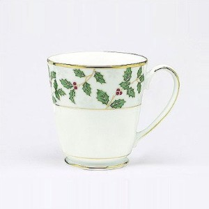 Noritake Holly and Berryゴールドマグカップ、4のセット
