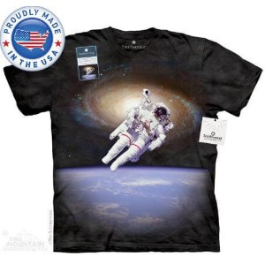 The Mountain Tシャツ The Smithsonian Bruce McCandless Untethered (宇宙 宇宙飛行士 メンズ レディース 男女兼用) 2L-4L 【輸入品】...