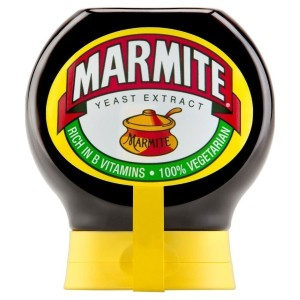 Marmite Yeast Extract Squeezy (200g) マーマイト酵母エキスsqueezy ( 200グラム)