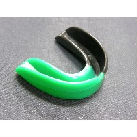 COBRA 薄型マウスピース(ケース付き)MOUTH GUARD BLACK/GREEN