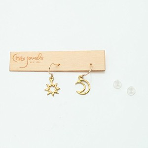 chibi jewels チビ ジュエルズ E117 Tiny Starburst and Crescent Earrings (カラー:Brass)