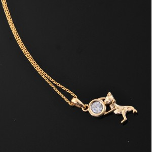 ◆◆ New ◆◆ 宝石を抱えている猫 // 14K Gold Dipped