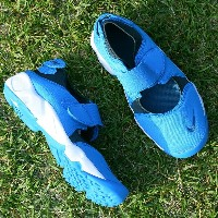 NIKE RIFT (GS/PS BOYS) (ナイキ リフト GS/PS) PHOTO BLUE/INDUSTRIAL BLUE-ARMORY NAVY【レディース キッズ スニーカー】17SU-S