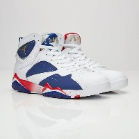 送料無料 店舗限定 men's メンズ Nike Jordan Brand Air Jordan 7 Retro White Metallic Gold Coin Deep Royal Blue...