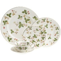 Wedgwood Wild Strawberry 5 Piece Place Setting by Wedgwood
