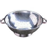 Tablecraft (713) 13 qt Stainless Steel Footed Colander by Tablecraft