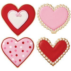 WILTON (ウィルトン) 4PCハートカッターセット 4-piece Nesting Heart Colored Metal Cookie Cutter Set