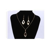 Gold Plated With Leave Shaped Drop Dangle Earring and Necklace Set