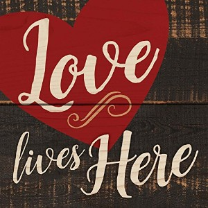 Love Lives Here Large Heart Weathred Look木製マグネット