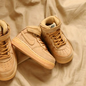 NIKE FORCE 1 MID WB TD(ナイキ フォース 1 ミッド WB TD)(FLAX/FLAX-OUTDOOR GREEN-GUM LIGHT BROWN)【キッズ スニーカー...