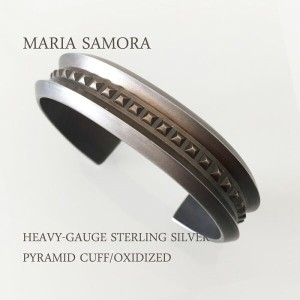マリア サモラ ピラミッド シルバー バングル MARIA SAMORA HEAVY-GAUZE STERLING SILVER PYRAMID CUFF BANGLE/OXDIZED