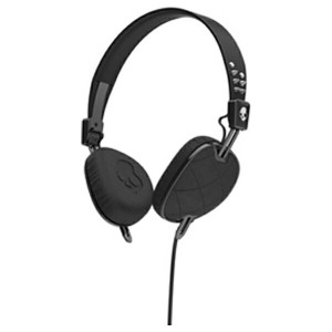 【送料無料】 SKULLCANDY [マイク付]ヘッドホン (Knockout Quilted Black/Black/Chrome Mic3) J5AVGM400 1.3mコード