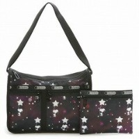LeSportsac 7507-G083 DELUXE EVERYDAY BAG(デラックスエブリデイバッグ) ショルダーバッグ SNOOPY IN THE STARS レディース レス...