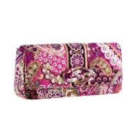 Knot Just a Clutch in Very Berry Paisley VERA BRADLEY ベラブラッドリー バイマ BUYMA