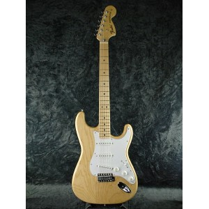 【ERNIE BALL4点セット付】【送料無料】Fender Japan Exclusive Classic 70s Stratocaster Ash MN NAT/M (ST71/ASH) 新品...