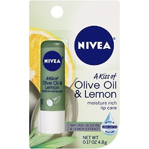 [アメリカ直送]Nivea Lip Care A Kiss of Olive and Lemon Lip Care (Pack of 6)