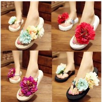 Hand-slip flowers beach slippers woman slippers summer sandals slope with heavy-bottomed sandals...